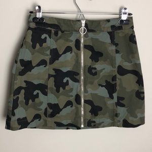 H&M Divided Camo Skirt Jeans Size 6